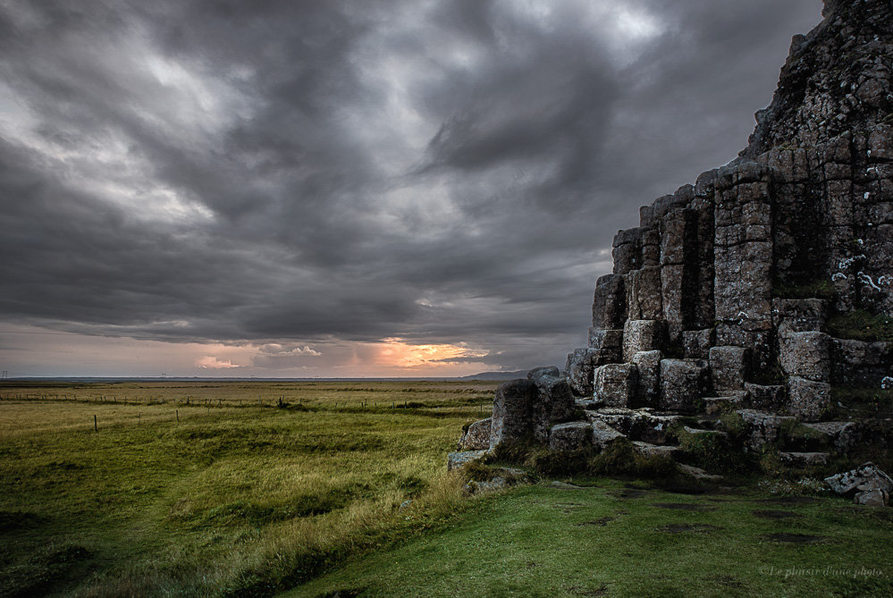 Kirkjugolf Islande
